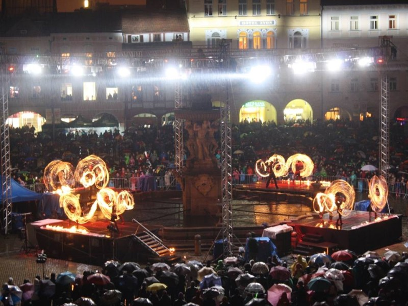 Fire Show - Ceske Budejovice Main Square - Anta Agni Firedancers
