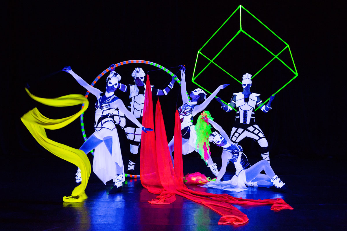 Cube Juggling - Cyr Wheel - UV Light dance - Anta Agni Glow Dance Show