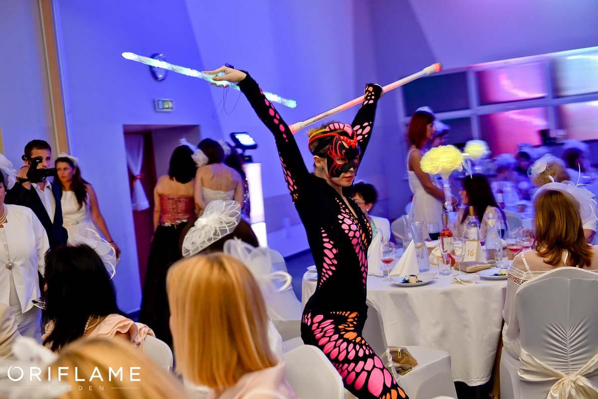 Anta Agni Oriflame Dance UV Light Show