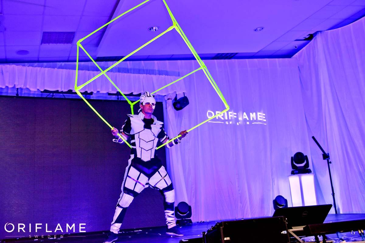 Anta Agni Oriflame Juggler Cube UV Light Show