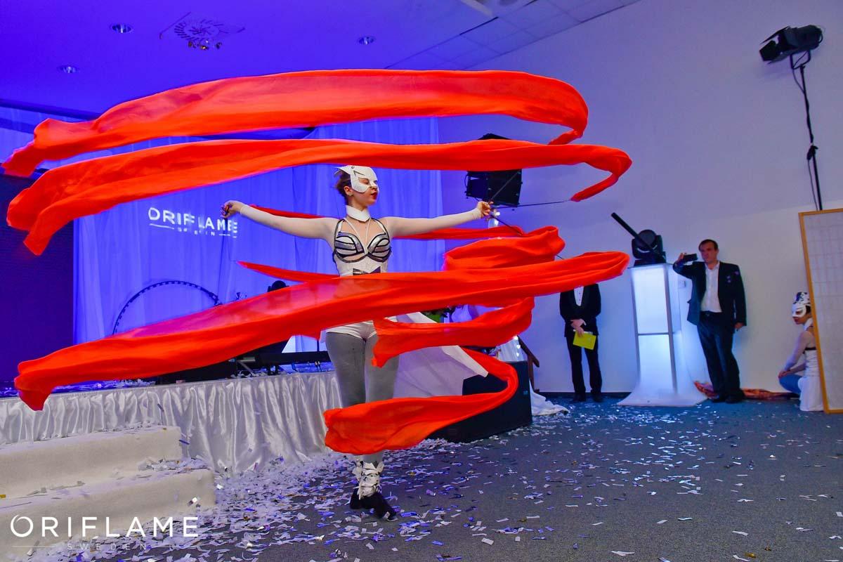 Anta Agni Oriflame Silk Dancer UV Light Show