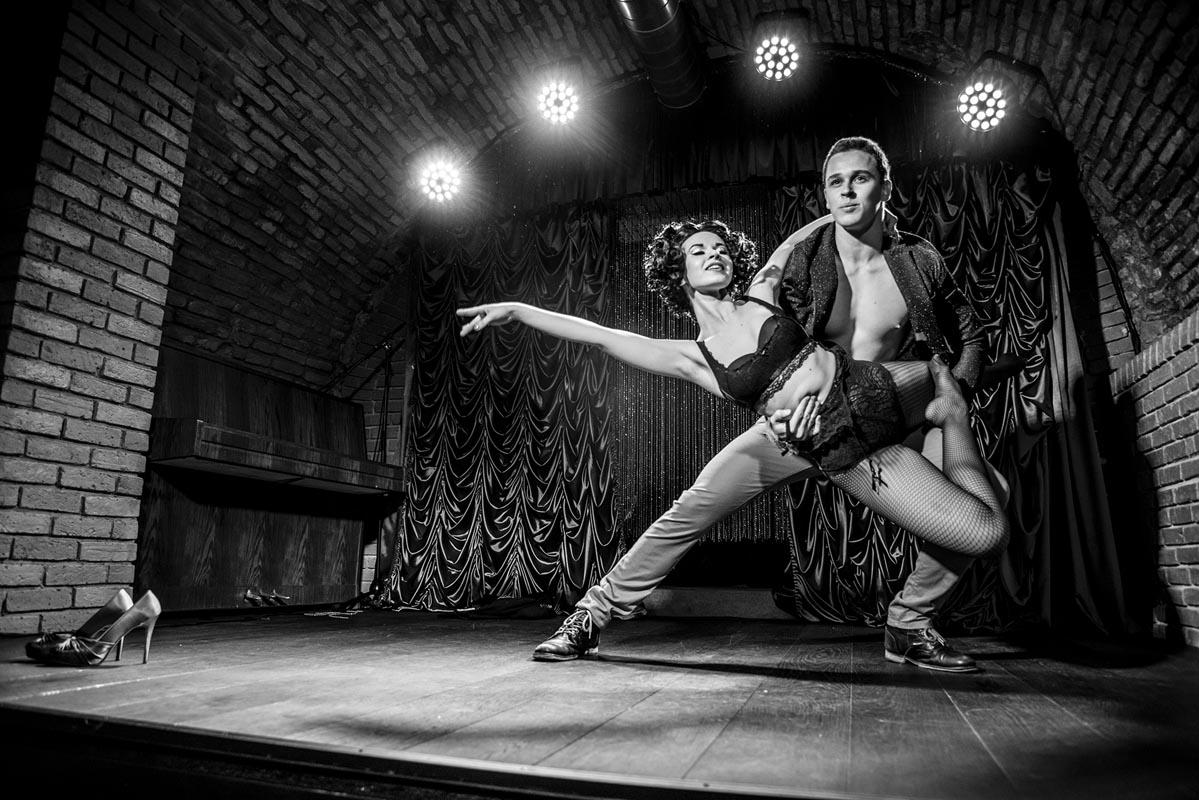 sparkling cabaret show - anta agni dancers