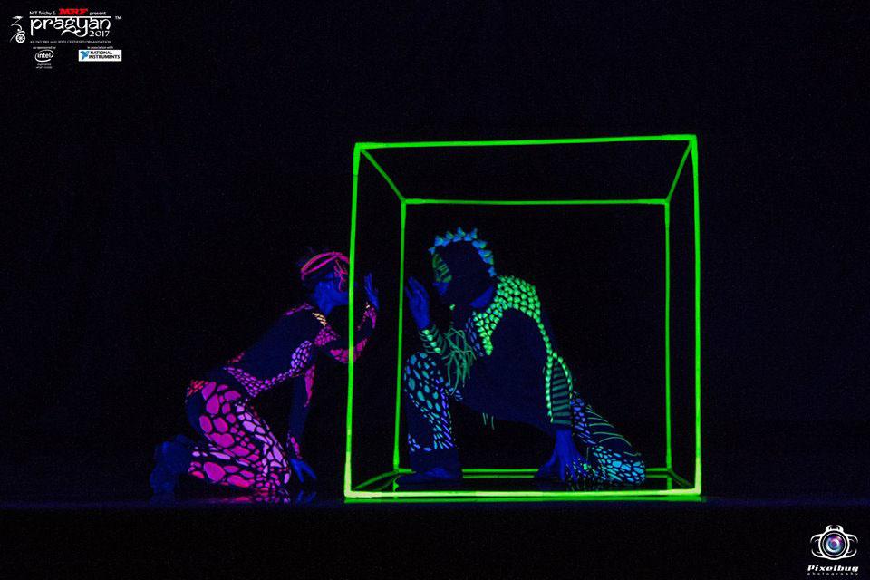 Cube Juggler and Dancer - Anta Agni Show India Festival