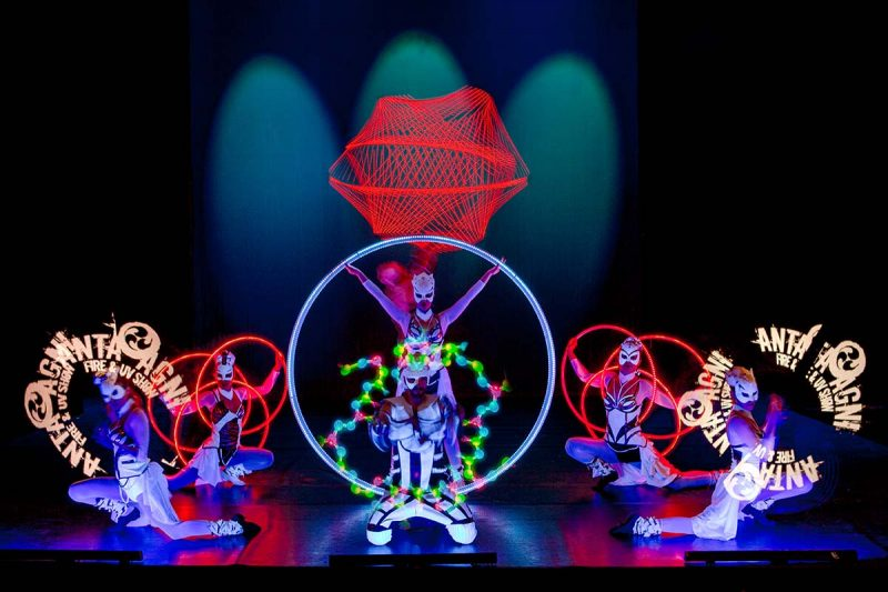 LED Dream Light Show Dancers Acrobats