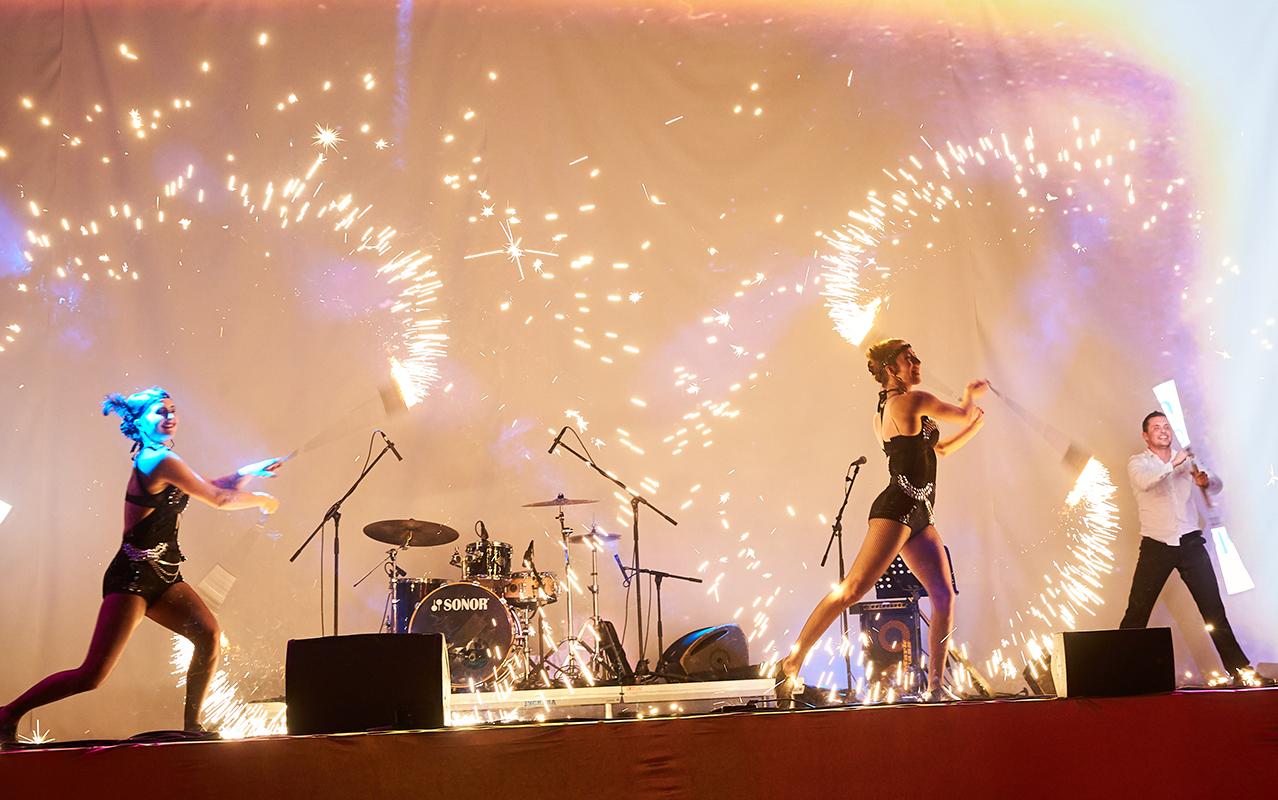 Cabaret Dance Pyro Show - Anta Agni