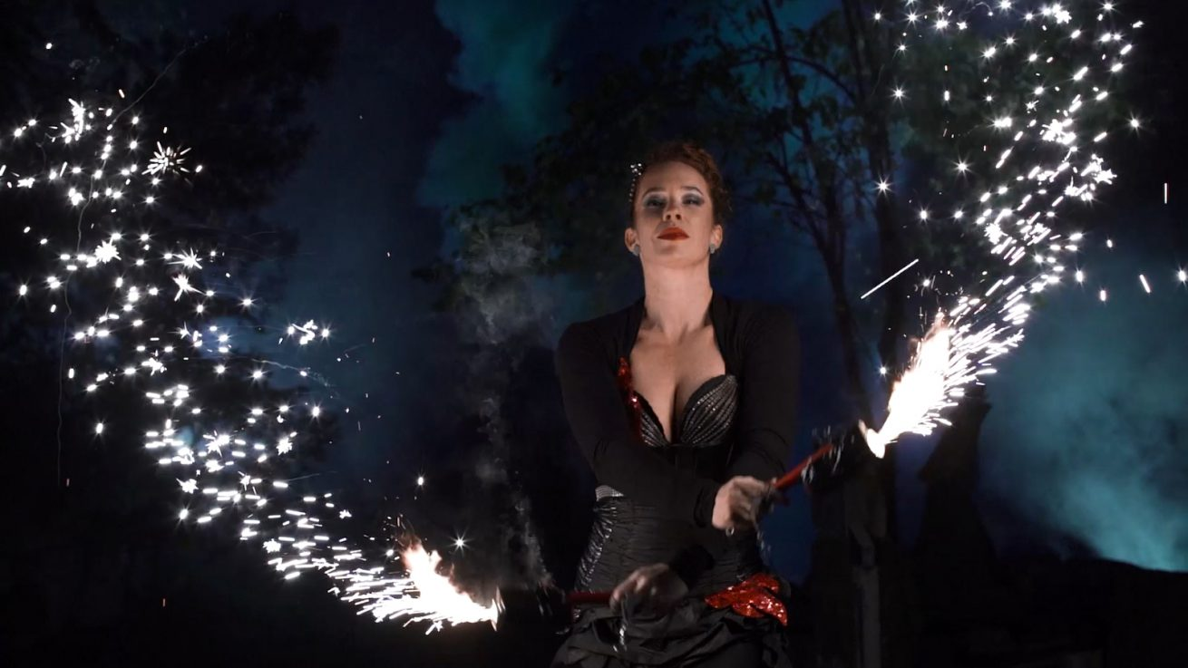 Pyro effect and fire performer - Anta Agni girl