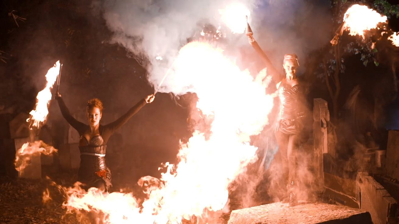 Girls in flames - Firedancers
