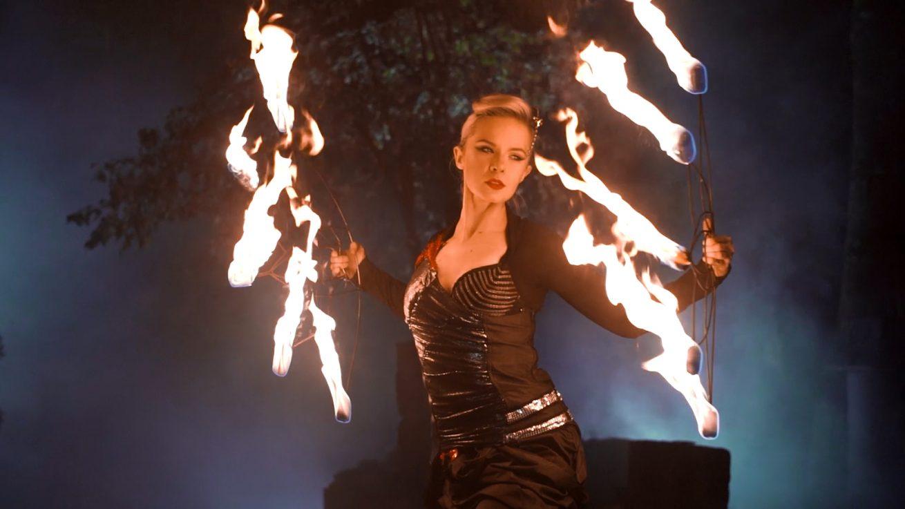 Fire Fans - Performer Anta Agni
